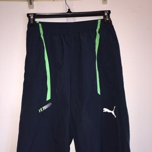 Puma Woman's Size Small Navy and Lime Capris